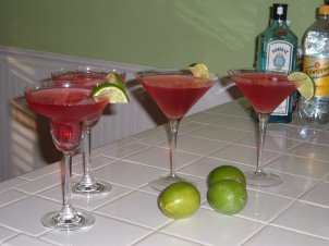 Cosmopolitan cocktail recipe simple and elegant our favorite cosmopolitan cocktail recipe sisterspd